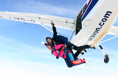 Vikki Overend jumps out of the plane to raise money for the Parkinson's Disease Charity.